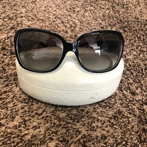 Coach sunglasses with case & cleaning cloth